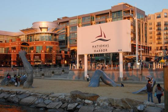 Oxon Hill, MD: National Harbor