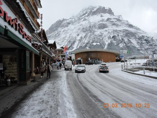 Grindelwald, Switzerland: Buri sports in the heart of town near the train station.