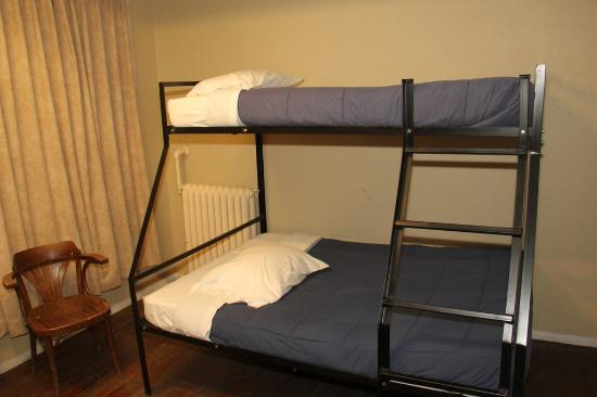 Cambie Hostel Gastown: Shared room