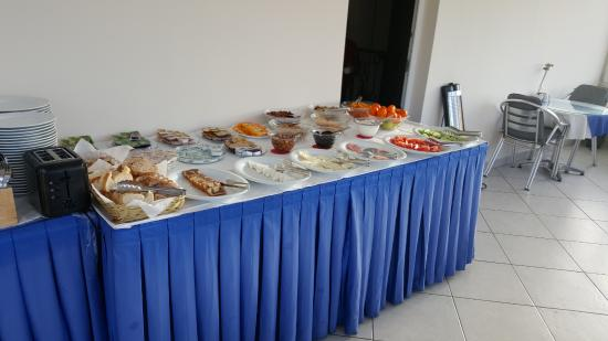 Sultanahmet Cesme Hotel : part of the breakfast buffet