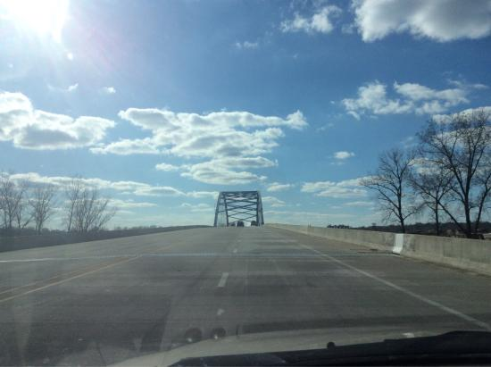 Atchison, KS: driving around on and around the bridge
