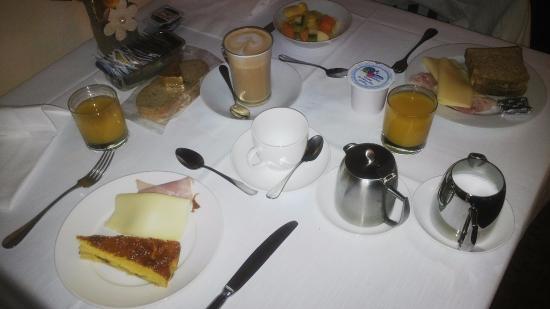 Mazzanti: Desayuno servido