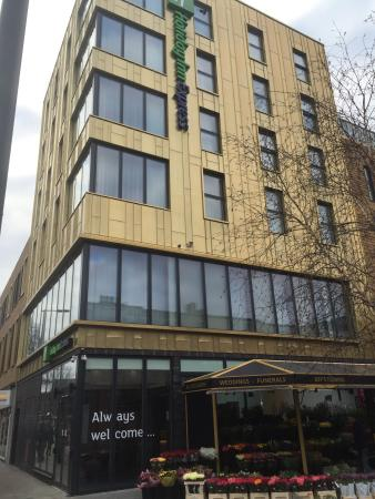 photo0.jpg - Picture of Holiday Inn Express London - Ealing - Tripadvisor