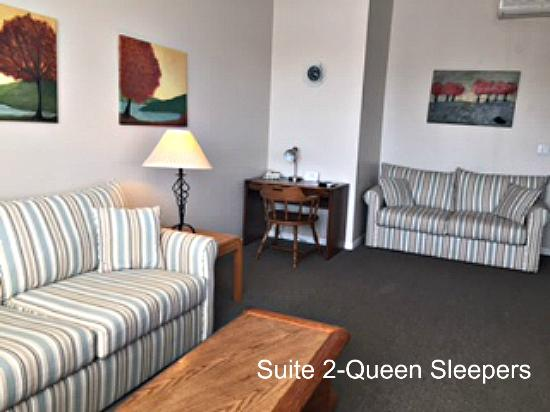 Cheboygan, MI: Suite 2-Queen Sleepers