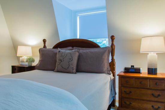 Marblehead Inn: Guest Room 11