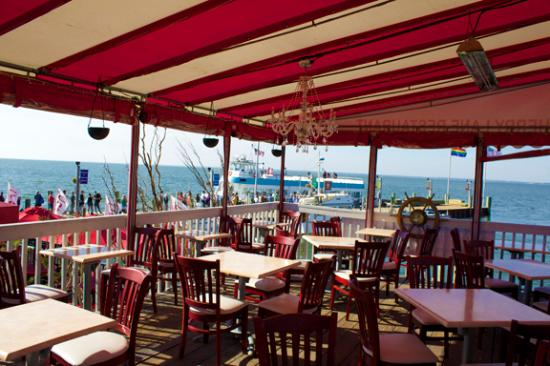 Cherry Grove, NY: Dine On the Great South Bay