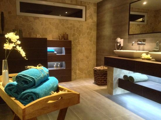 Bamboo bali bonaire boutique resort 2017 prices for Bathrooms r us reviews