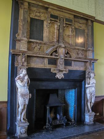 one of the marble fireplaces picture of charlton house gardens rh tripadvisor co uk