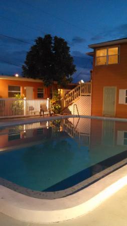 Swashbuckler Motel: pool