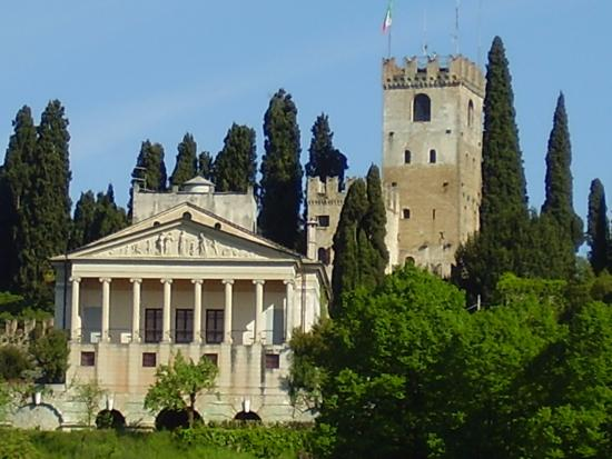 ‪Castle of Conegliano‬