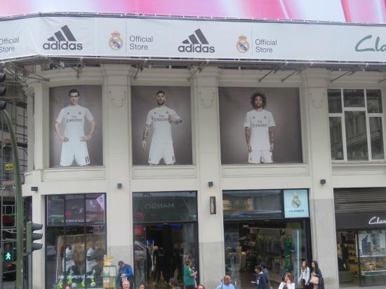 3cf80b77b Loja Real Madrid - Gran Via - Foto de Gran Via