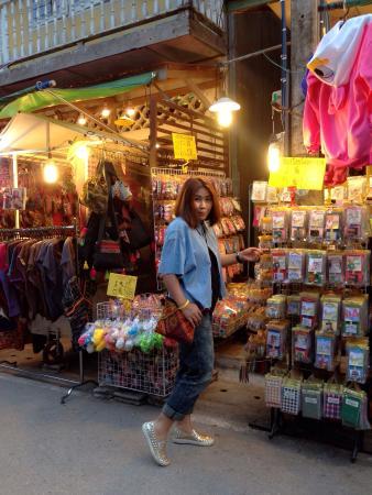 Chiang Khan, Thailandia: เป็นการเดินทางเที่ยวเมืองเชียงคานคนเดียว ที่สนุกและท้าทาย มีจักรยานคู่ใจ ปั่นไปได้ทั่วเลยค่ะ