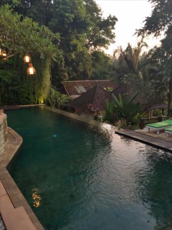 Beji Ubud Resort: Pool near the restaurant