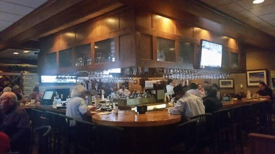 Montana's Rib and Chop House: The Bar
