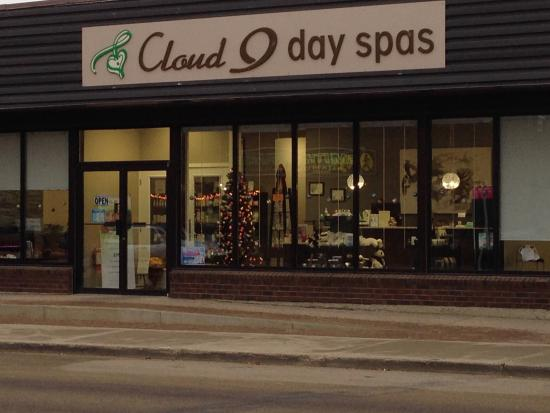 Camrose, Canada: Cloud 9 Day Spas