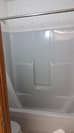 Arkdale, WI: Shower.