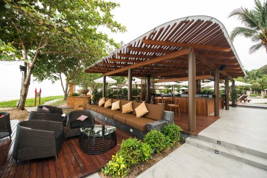 Layana Resort and Spa: Sundowner Bar