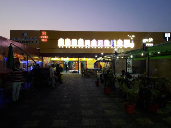 Food Garage (パーニーパット) ...