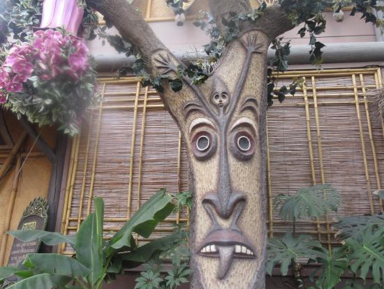 ‪Enchanted Tiki Room‬