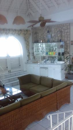 Villa Bahia : Living Room (right angle)