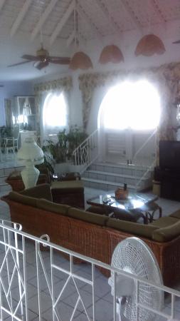 Villa Bahia : Living Room (left angle)