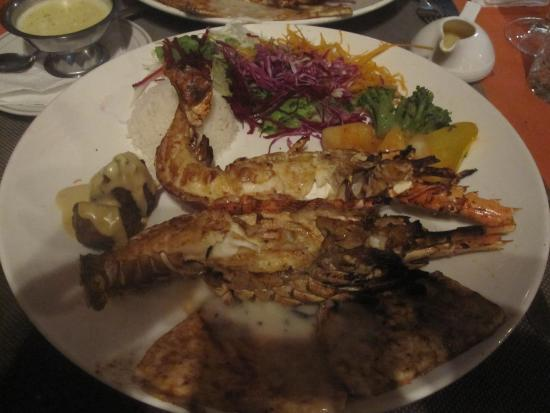 langouste au barbecue au top - picture of grill & chill, pereybere