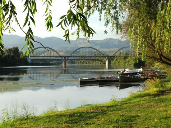 River Ebro Apartments
