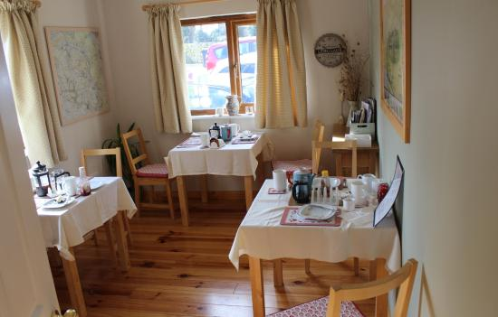 Innisfree Cottage: Breakfast room