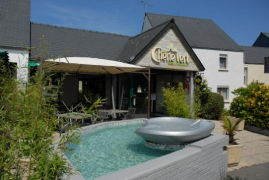 Hotel Restaurant Au Chene Vert Plerin