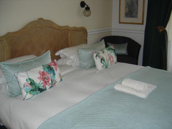Roseland House: kingsize bedroom