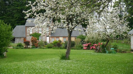 Mentheville, France: Le jardin