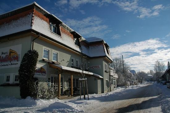 Kusterdingen, Germany: Hausansicht Winter