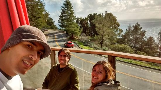 Big Sur Coast Gallery & Cafe: À beira da estrada!