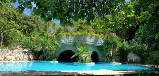 Paradise Garden Hotel: Mağaralı Havuz - Doğal Su