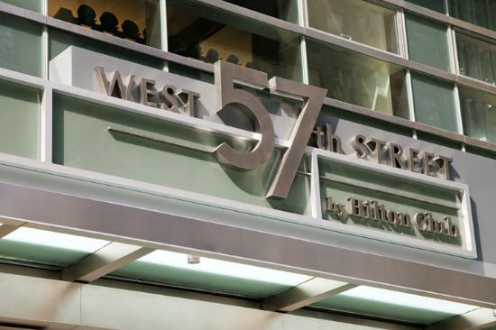 West 57th Street by Hilton Club: Exterior sign