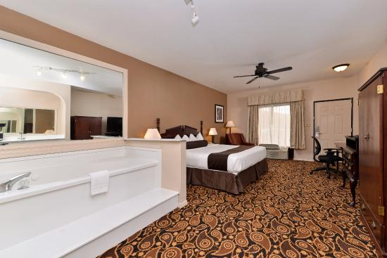 Mockingbird Inn Suites Jacuzzi Suite