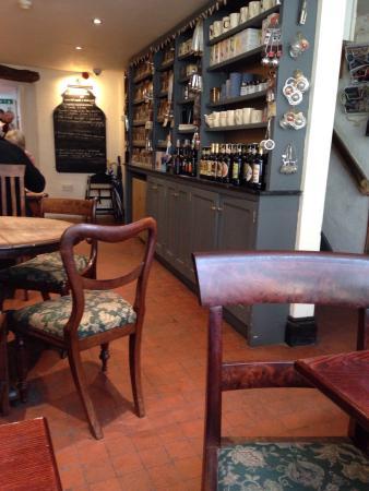 Gillam's: Busy town centre cafe