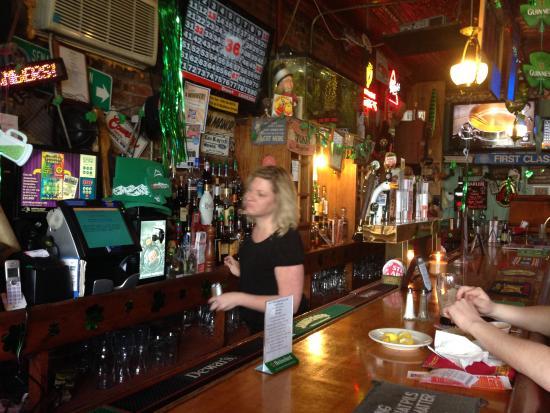 Warwick, estado de Nueva York: The bar inside Yesterday's