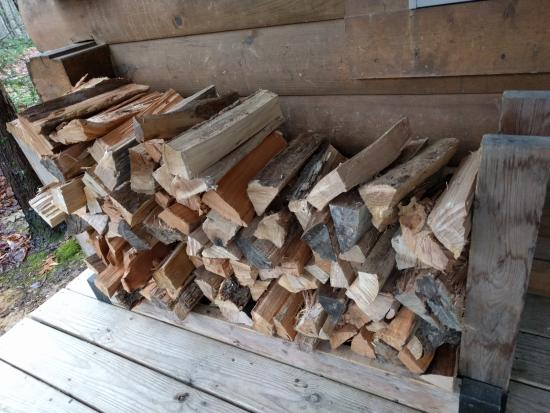 Country Road Cabins: Wood for the fireplace is provided!