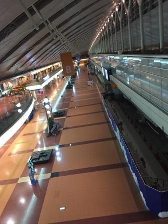 Haneda Excel Hotel Tokyu: 静まり返った第二ターミナルを散策
