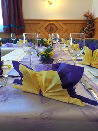 Gross-Enzersdorf, Austria: Festlicher Tisch