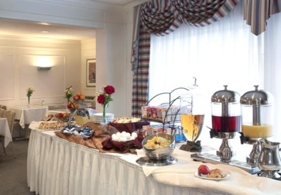 Farmington Inn : Complimentary Expanded Continental Breakfast