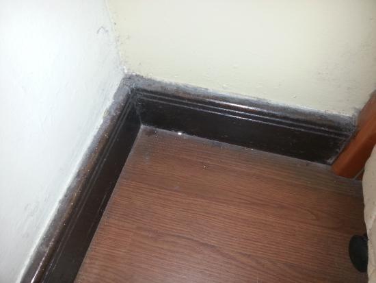 broken kitchen cabinet door picture of copthorne hotel cameron rh tripadvisor com my