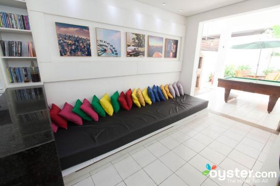 Albergaria Hostel: TV