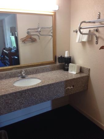 Days Inn Tallahassee-Government Center : photo0.jpg