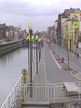 Bed and Breakfast Leopold II: il canale che separa la periferia dal centro città