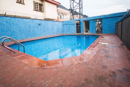 Pool - Cottage 3 Guest House Picture