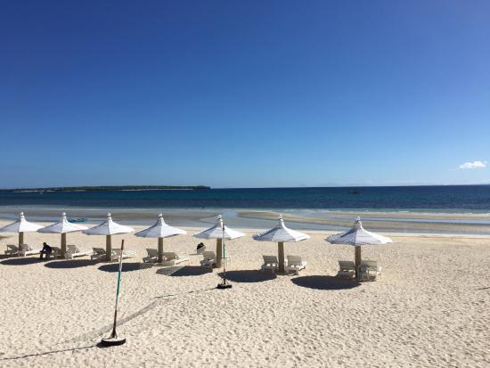 Santa Fe Beach Club The White Sand At Noon