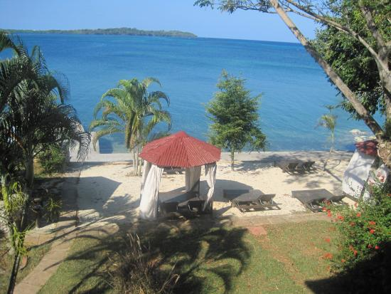 Rhodes Beach Resort Negril Photo