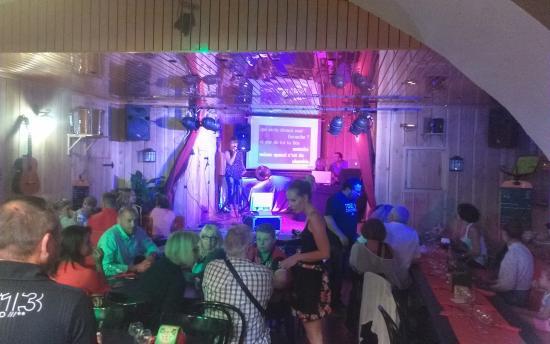 Aubignan, Francia: soirée chants